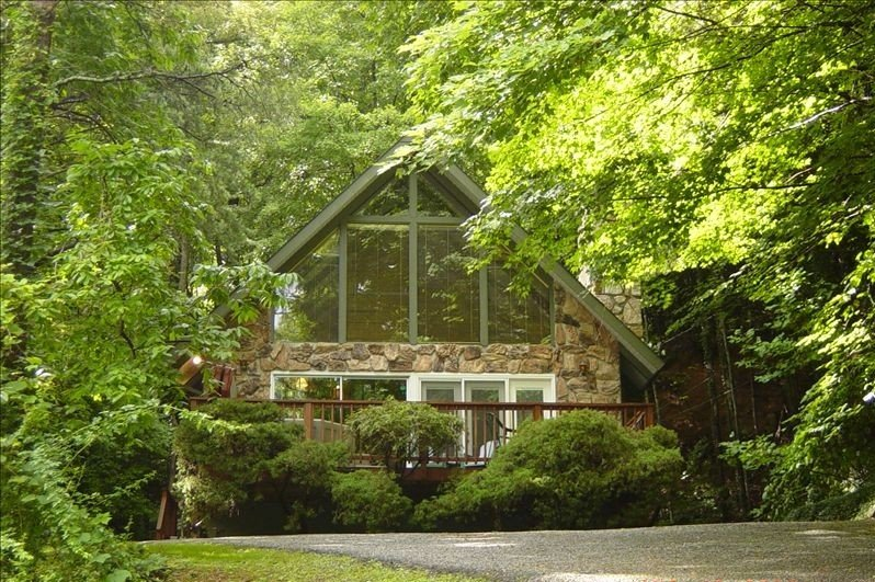 A Mountain Home for the Cost of a Hotel Room, vacation rental in Gatlinburg