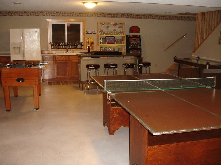 Lodge Getaway Large Family Home Lake Holcombe Retreat & Event Center House, holiday rental in Holcombe