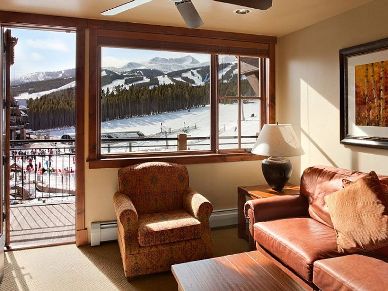 Spring Break 2021 at Grand Lodge Peak 7 - Location & Views!  Mar. 6-13, Sleeps 8, vacation rental in Breckenridge