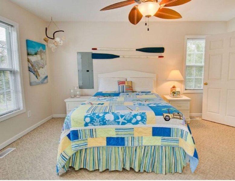 Beautiful Beach Cottage. Sound Side, walking distance to the Beach., alquiler de vacaciones en Emerald Isle