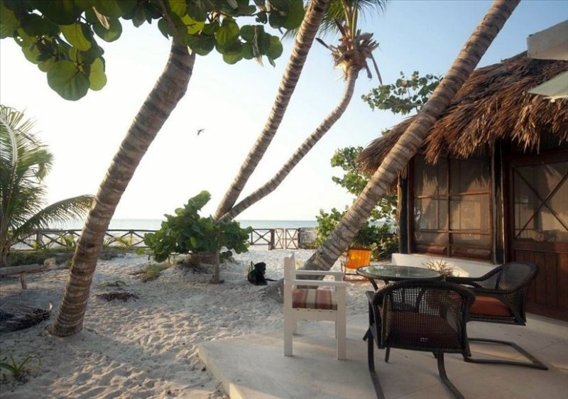 Los Cocos Holbox - Charming Cabana on the Beach, holiday rental in Chiquila