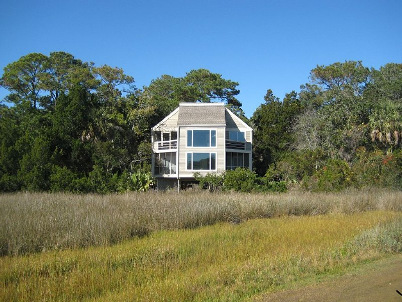 Spectacular Views - One of a Kind - Secluded Setting, vacation rental in Seabrook Island