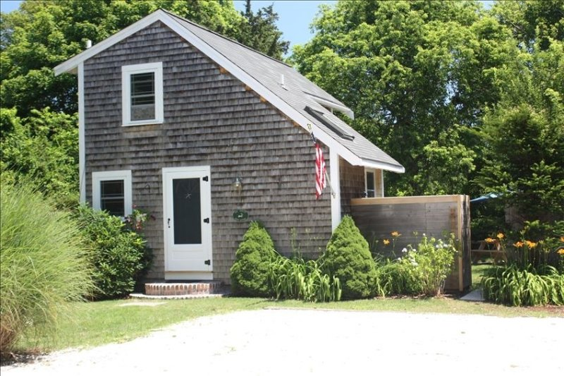 Chatham Charm! Peaceful! Walk to Beach, Village, Golf & Cape Baseball – semesterbostad i Chatham