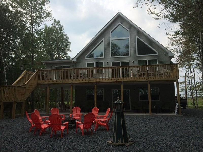 Awesome Lake Front Home/Large Gatherings  (2nd home avail FOREST HILL #1827684, holiday rental in Pocono Mountains Region