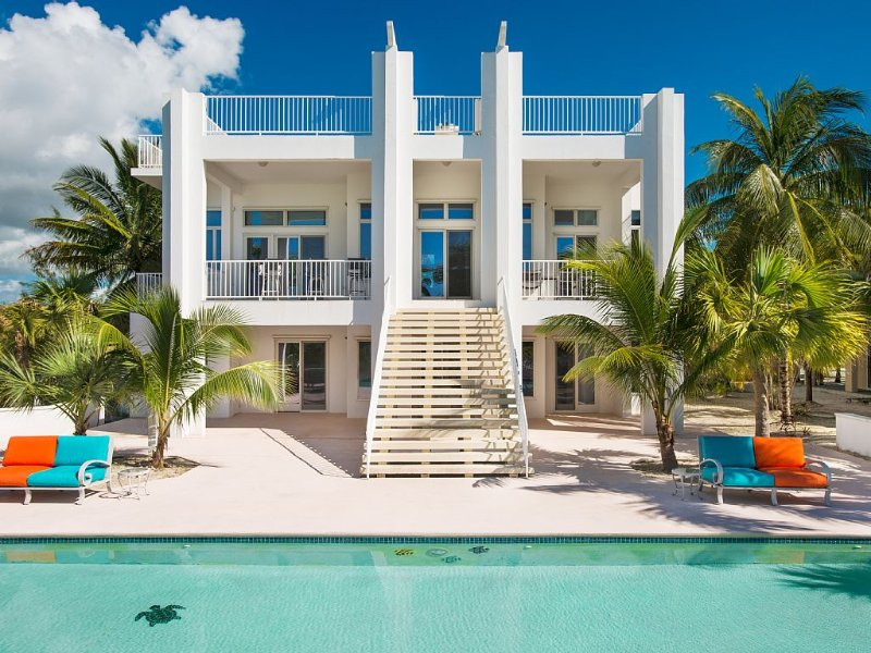 A beachfront paradise. VRBO stayed here!, holiday rental in Conch Bar
