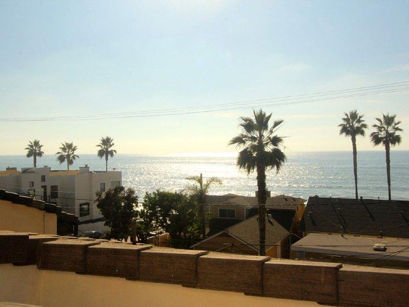 SURFRIDER PENTHOUSE - Studio - Amazing Ocean views , Windansea Beach, La Jolla, vacation rental in La Jolla