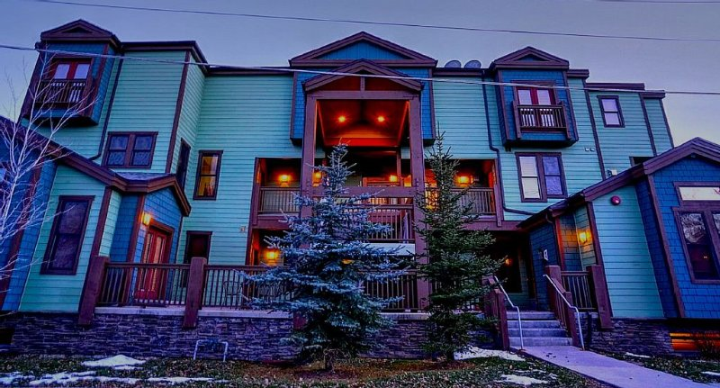 Best Location in Park City for Skiing, Sundance Film Festival - in Old Town, holiday rental in Park City