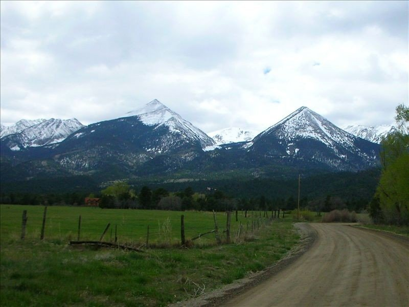The road heading up to the house, The Twin Sisters