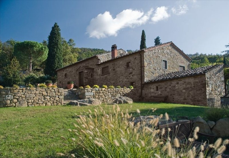 Elegant & Comfortable Tuscany Farmhouse Villa in Cortona Italy, location de vacances à Cortona