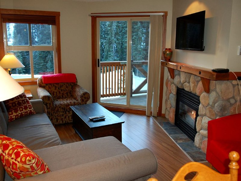 Convenient and located in the resort village, holiday rental in Sun Peaks