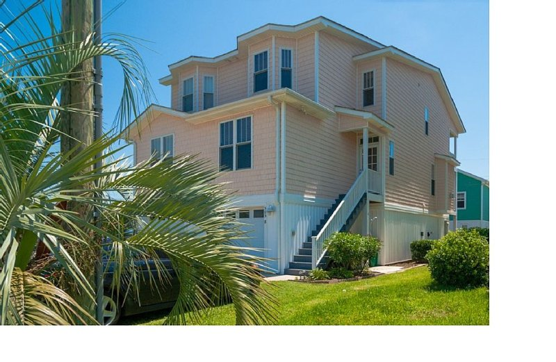 'Kure Me Away' 4 BR/4BA Steps To Uncrowded Beach!! Family Friendly!, vacation rental in Kure Beach