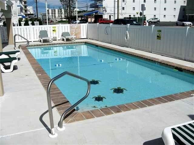 BEAUTIFUL OCEAN VIEW CONDO WITH HEATED POOL AND MUCH MORE!!!, location de vacances à Wildwood