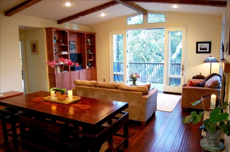 CARMEL~Enchanted Oaks~Lovely Retreat in the Treetops~Gorgeous, Peaceful, Private, holiday rental in Carmel