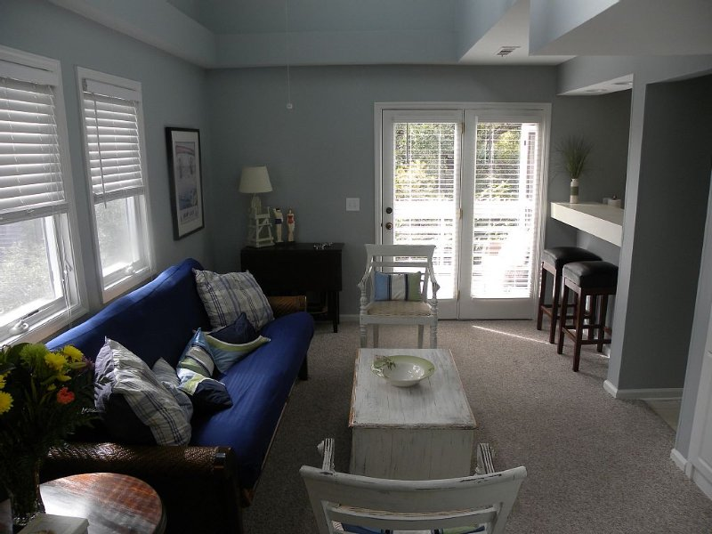Great Rates!  Screen Porch!  Pool Just Steps Away!, vacation rental in Seabrook Island