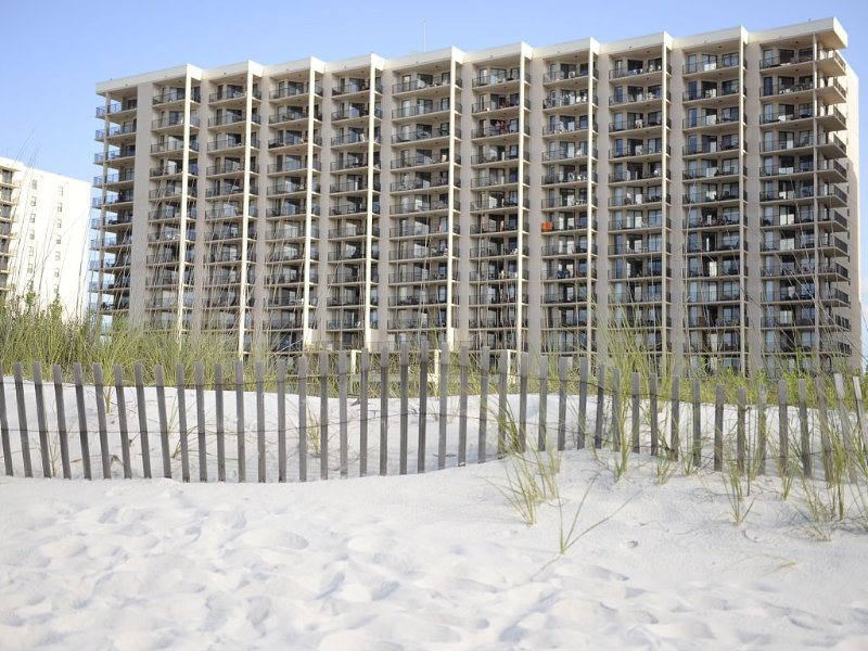 LOWER RATES~AVAIL11/15-11/25~Gorgeous Weather~Book It NOW~Phoenix East~Sleeps 8, holiday rental in Orange Beach