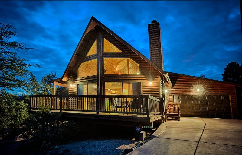 New Listing! Stunning Log A-Frame Cabin Chalet. 360 views. Hot tub!, vacation rental in Pine