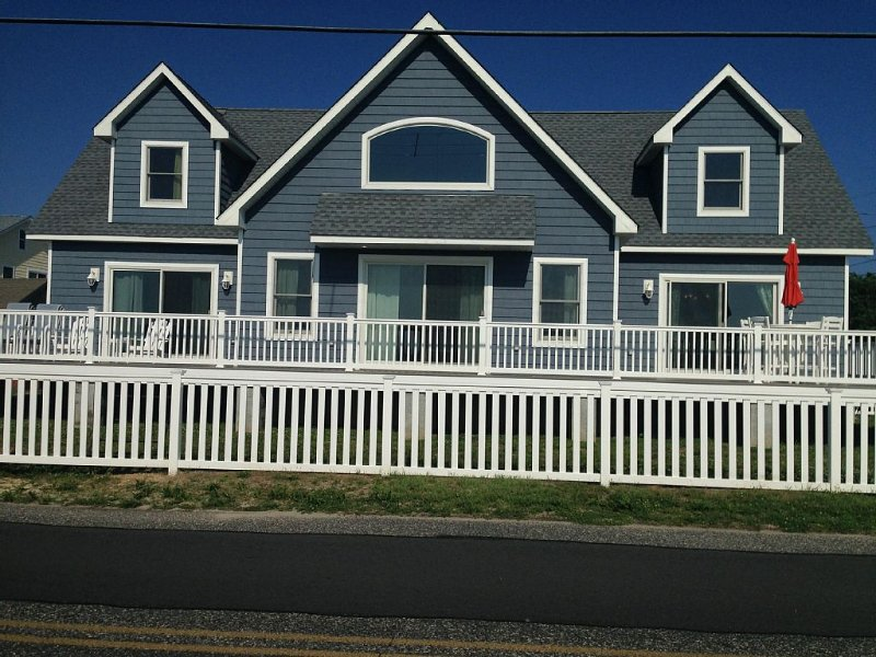 Beautiful Beach front Cape May home, holiday rental in North Cape May