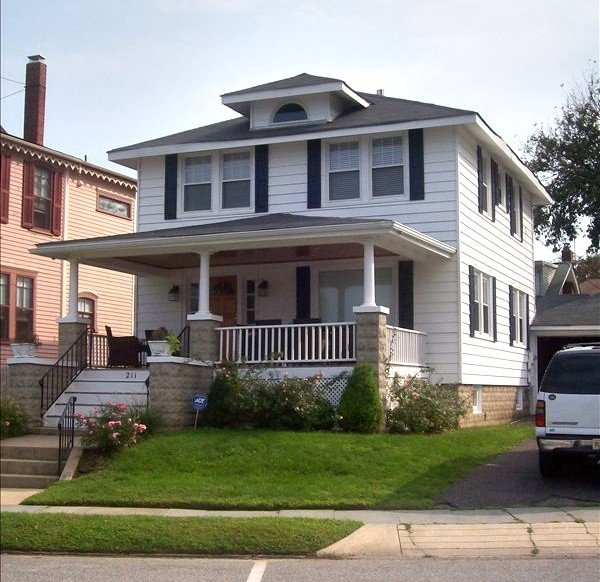 ONLY TWO WEEKS AVAILABLE - 8/15-8/22 and 8/25-9/5! $3750/WK!  GOING FAST!, alquiler vacacional en Belmar
