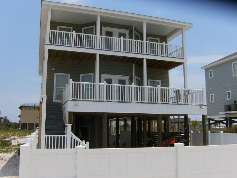 Wonderful 5 bedroom private home.  Great Rate through the end of the year., aluguéis de temporada em Pensacola Beach