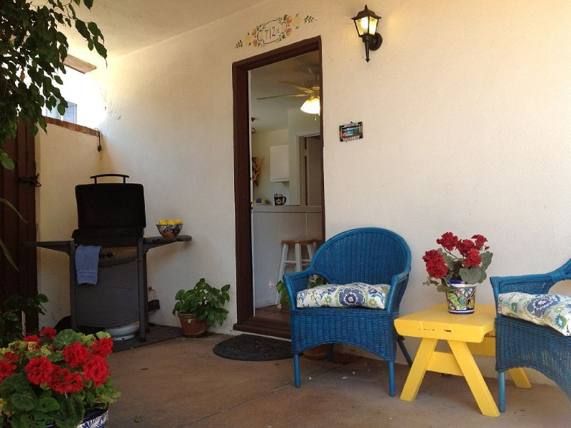 Charming 1B/1ba Casita/Condo, just 50 Steps to Ocean in South Mission Beach!, vacation rental in San Diego