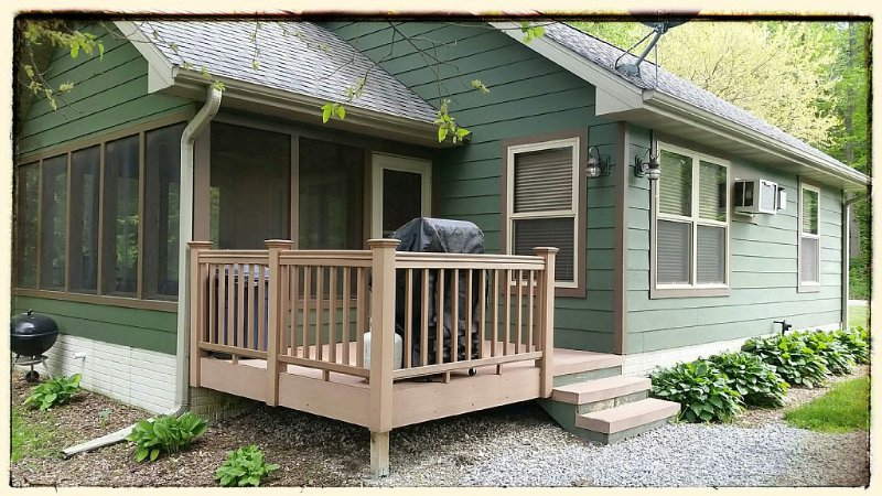 Luxury Cabins for Couples and Families to Get-Away, vacation rental in Iowa