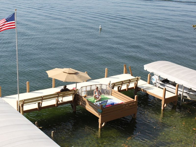 Three Adorable Cottages Best Views on Green Lake!, vacation rental in Green Lake