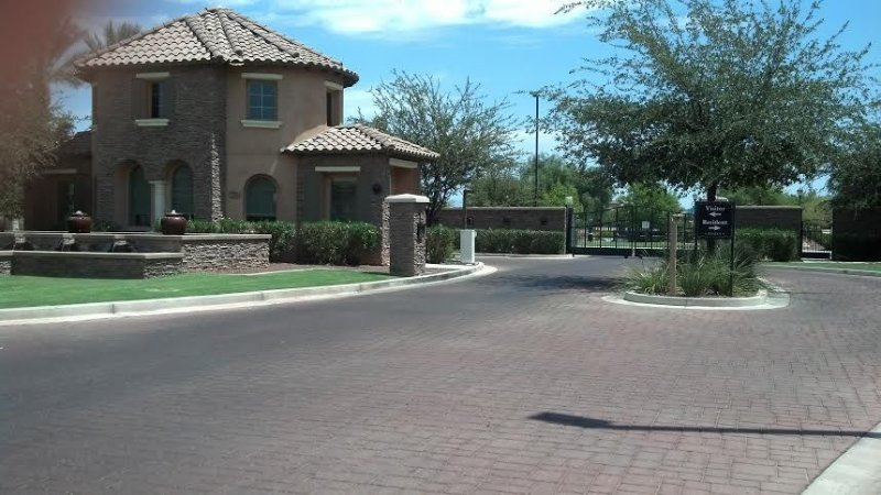Beautiful Condo In Resort Community, Shopping, Golfing, Fine Dining!, holiday rental in Gilbert