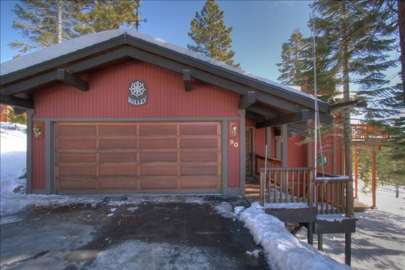 Luxury Dollar Point Area House with Panoramic Lake Views – semesterbostad i Tahoe City