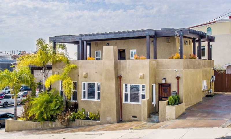 Executive Beach Home 1 Block to Beach w/ Hot Tub and Wine Cellar, holiday rental in Lawndale