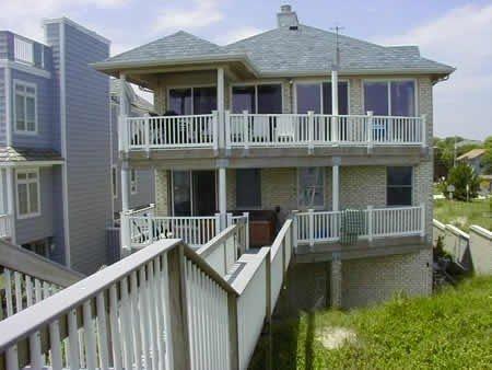 Luxury 7 Bedroom/6 Bath Beachfront Home - Hot Tub & Upscale Amenities, alquiler de vacaciones en Virginia Beach