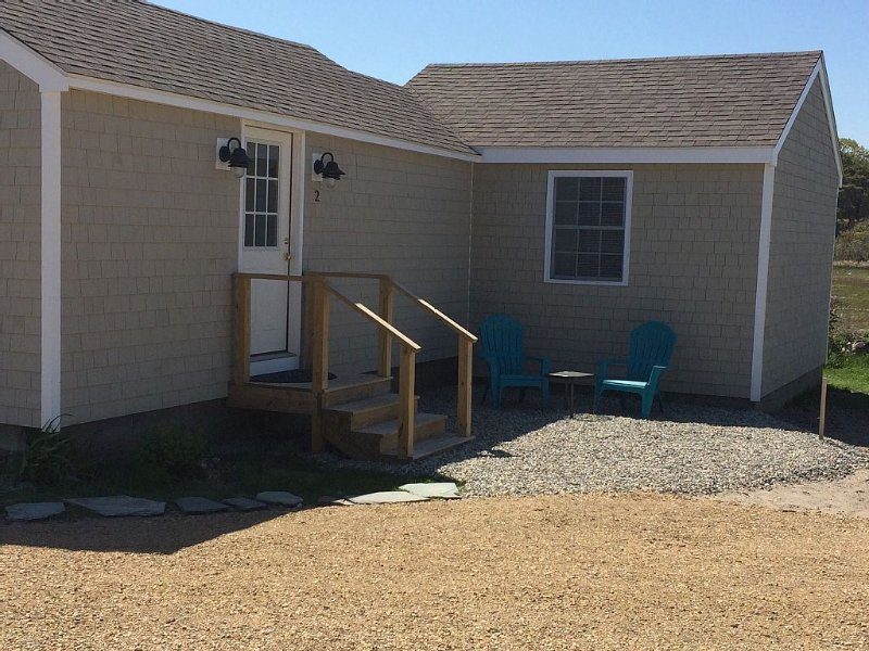 Beachfront Cottage, very quaint and right on the Beach!, vacation rental in Rye Beach