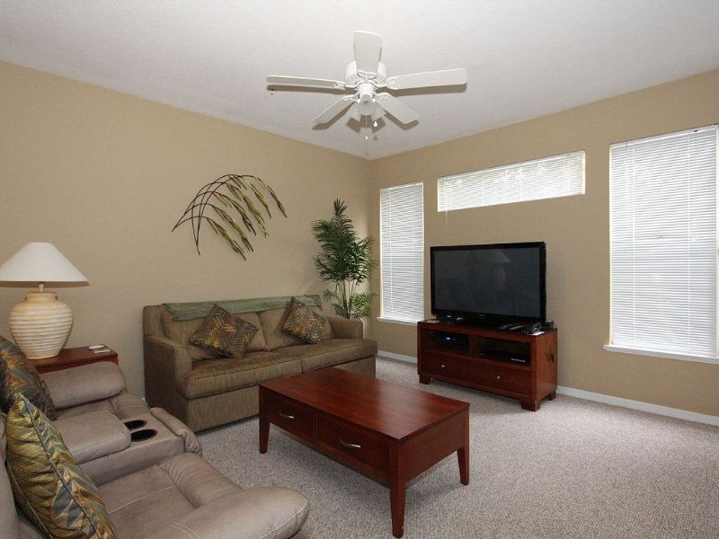 Family Friendly Legacy Dunes Condo! Great Rates! Minutes from Disney!, holiday rental in Four Corners