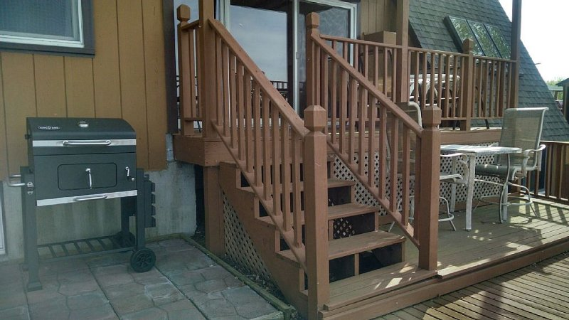 grill and stairs from lower to middle level deck