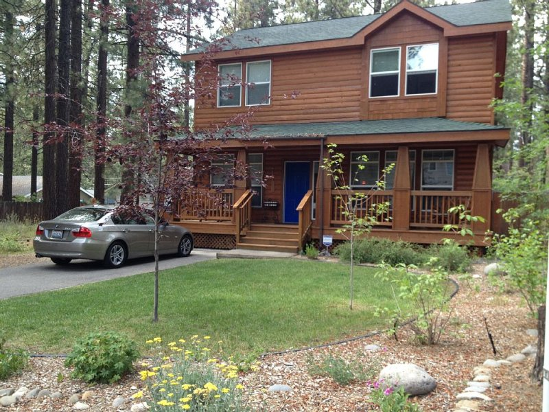 Gorgeous Home, Super Location! Near the lake, eateries, Heavenly and Casinos!, vacation rental in South Lake Tahoe