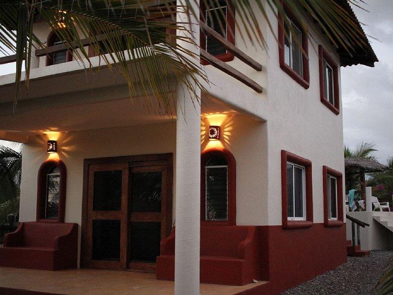 Come surf Palo Alto at the beautiful Casa Gunz! Troncones/La Salidita/The Ranch, location de vacances à La Salada
