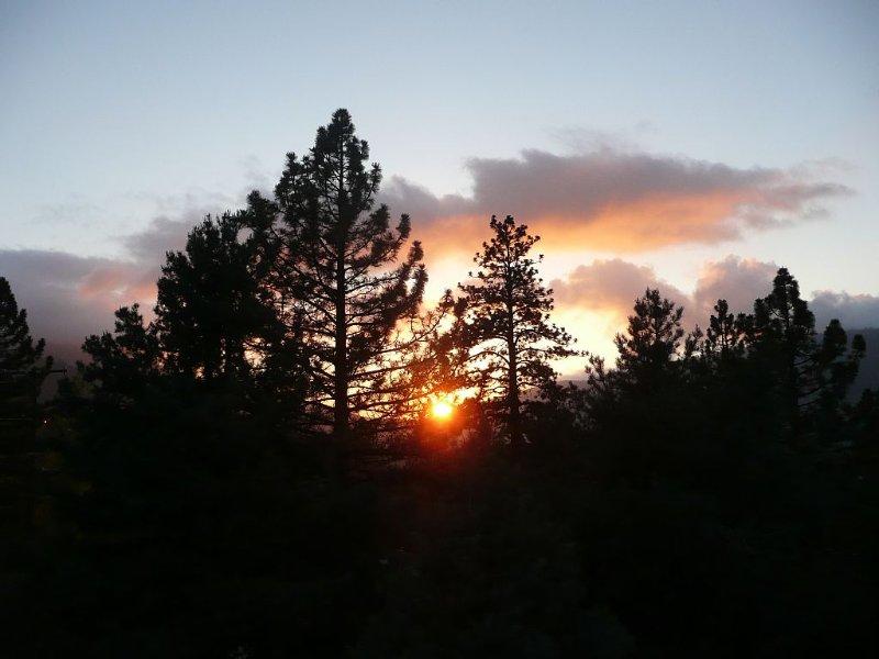 Sunset View * Pine Mountain Club-Upscale, Wi-Fi, Enjoy SNOW * 6000'  Dog Friend, location de vacances à Frazier Park