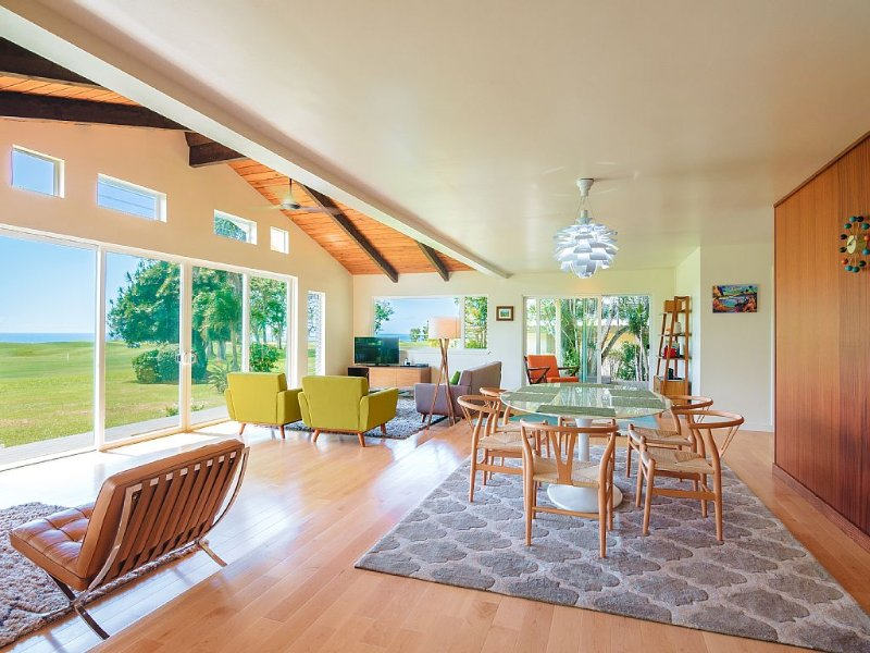 Mid-century Remodeled Spectacular Ocean and Golf Course Views, vacation rental in Princeville
