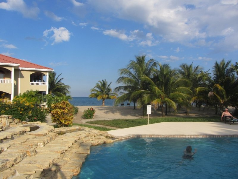 Los Porticos Villas (Villa 5A) - Condo in Private Community near Placencia, vacation rental in Seine Bight Village