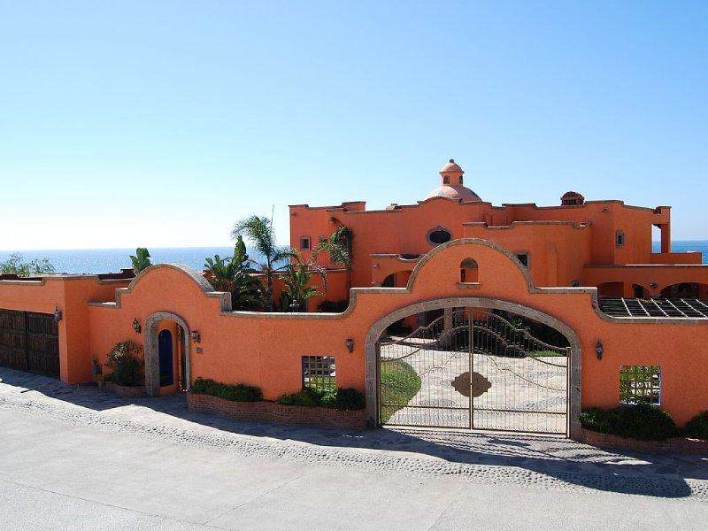 Hacienda Punta Piedra - Baja Ocean Front Retreat (between Rosarito - Ensenada), aluguéis de temporada em Baja California Norte
