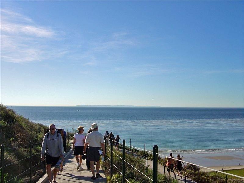 *** Front row condo. Steps to sandy beach, sunset,  trails. Exclusive Resort, aluguéis de temporada em Dana Point