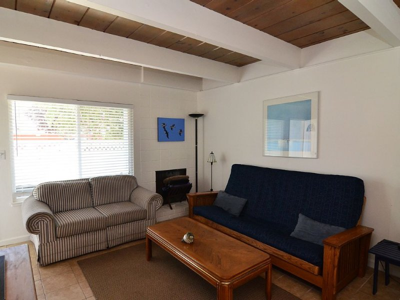 Charming living space with fold-out futon - for relaxing after fun in the sun!