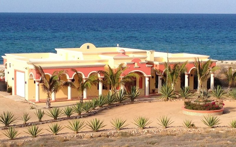 Beachfront Authentic Hacienda On The Sea Of Cortez With Pool, vacation rental in La Ribera