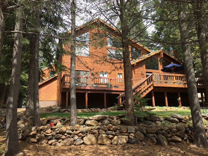Beautiful Family Home, great ski location, perfect for families, quiet location – semesterbostad i Truckee