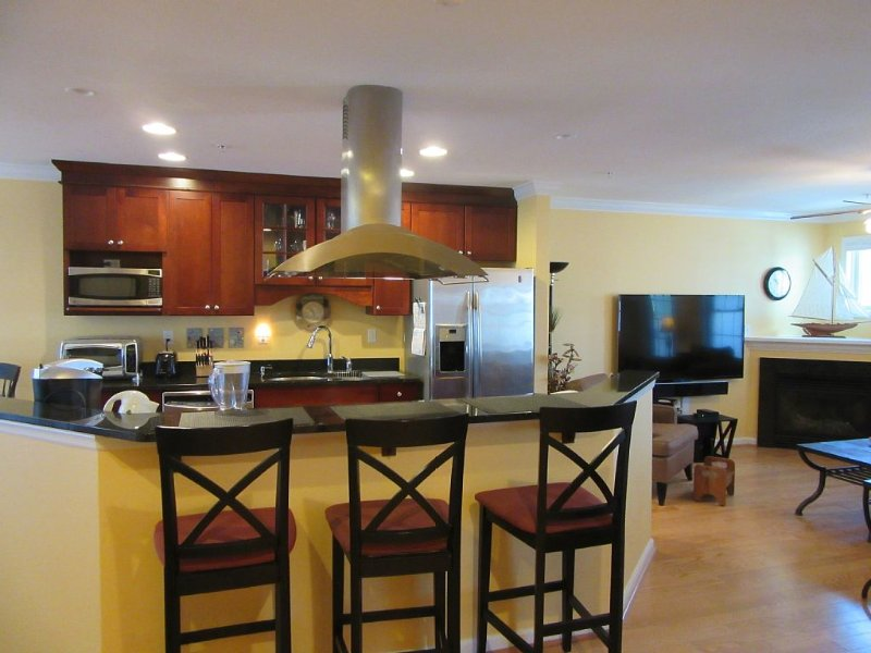 Beautiful 3-Level Townhouse Just Minutes Walk to the Beach, Boardwalk and Bay, alquiler de vacaciones en Ocean City