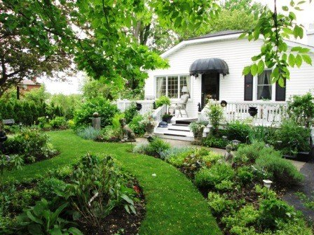 Alnwick Cottage , Quaint and Comfortable, holiday rental in Niagara-on-the-Lake