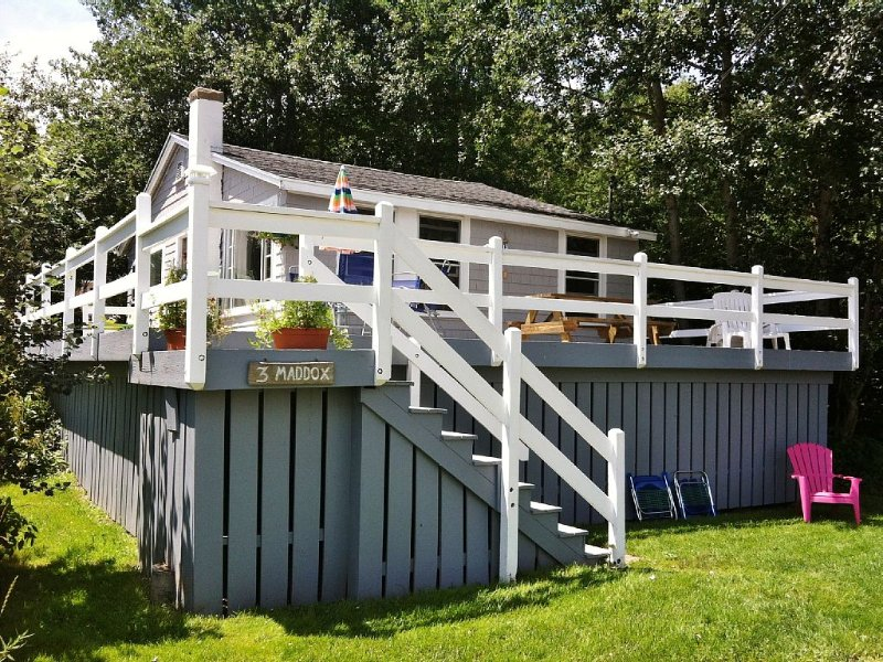 Book Summer 2021: Cute & Affordable 2 BR cottage steps from the beach!, alquiler de vacaciones en Biddeford Pool
