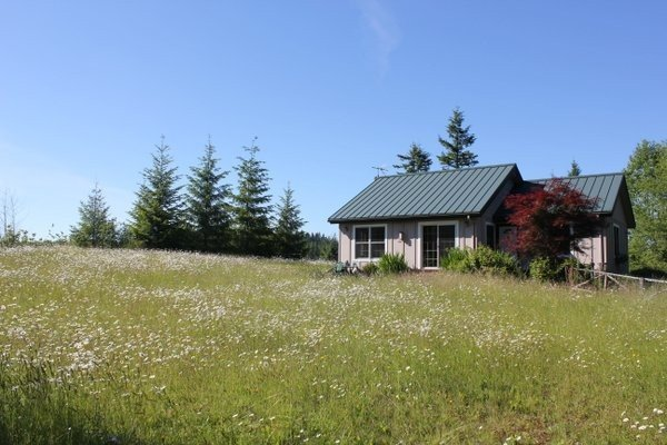 Cedar Creek Retreat: Serene, Comfortable, & Secluded, aluguéis de temporada em Saint Helens
