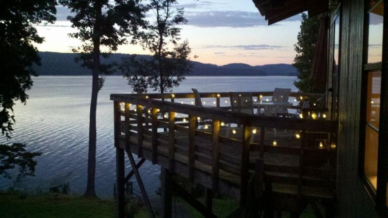 Spectacular lake views and amazing fishing, holiday rental in Grant