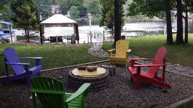 Waterfront Property, Sleeps Six, Fun And Safe Community!, holiday rental in DuBois