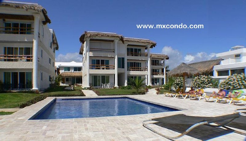 GREAT LOCATION ON THE BEACH, holiday rental in Puerto Morelos